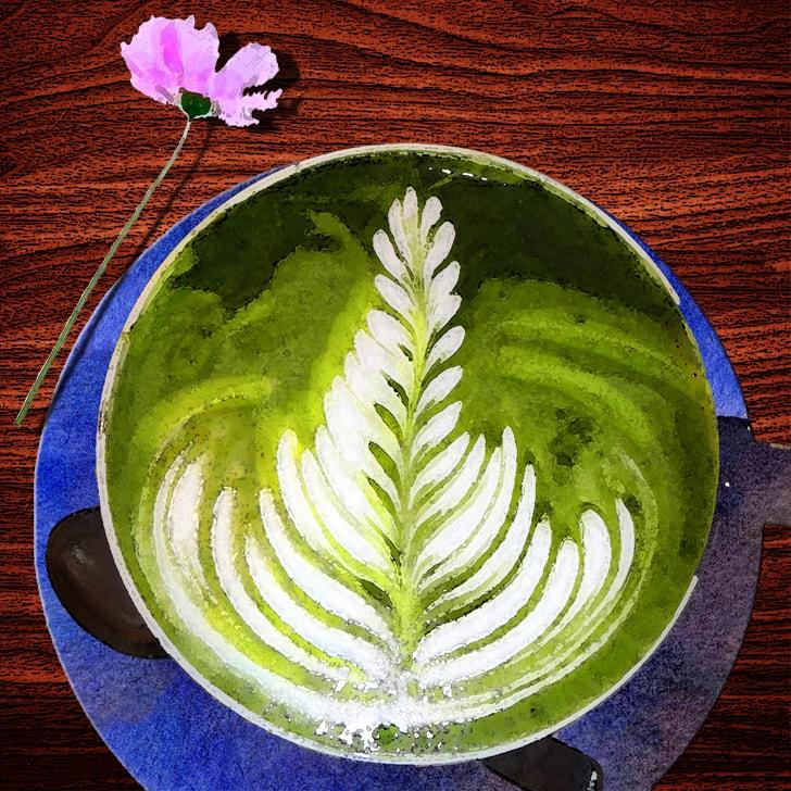 Il y a un dessin dans la mousse du matcha latte